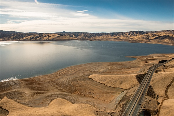 Scientists link California droughts and floods to distinctive atmospheric waves