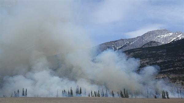 Quantifying Ice Nucleating Particles in Western Wildfire Smoke Plumes