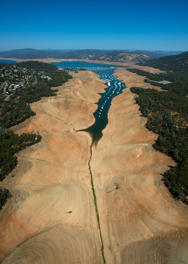 Lake Oroville in drought (2014). (Credit: California Department of Water Resources)